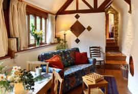 beechnut sitting room
