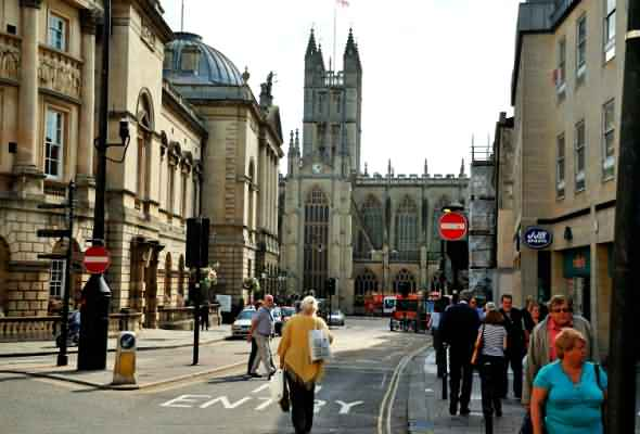 View along Bath High Street towards the Abbey