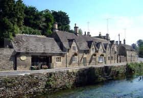Quaint shops in Bibury