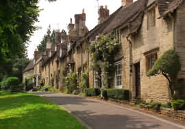Cottages in Burford