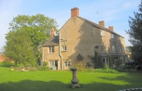 Larches Farmhouse at Slaford near Chipping Norton