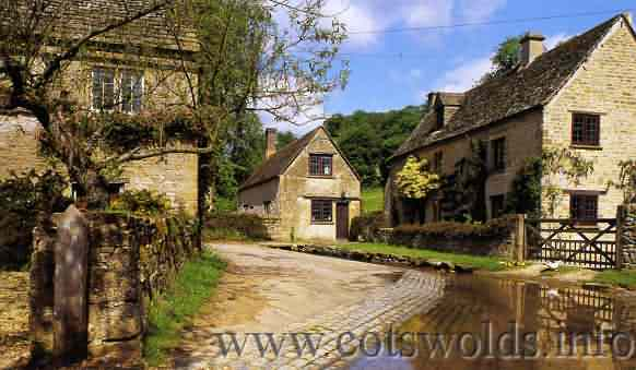 Cotswold Bus Tours From London