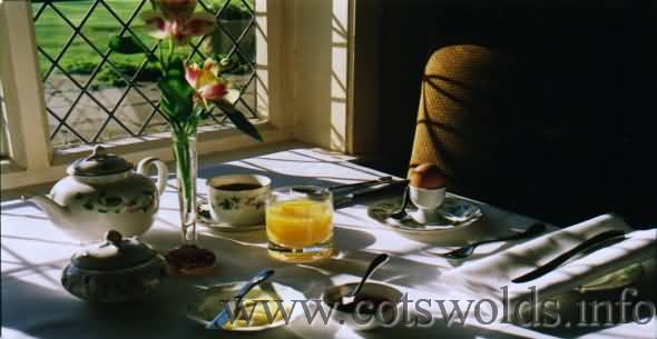 Wonderful Cotswold cottage breakfast