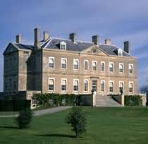Buscot Park Neo-classical mansion with fine art and furniture collection, set in landscaped grounds