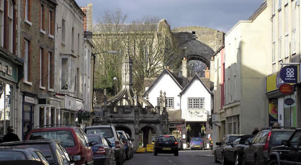Malmesbury town centre towards Malmesbury Abbey