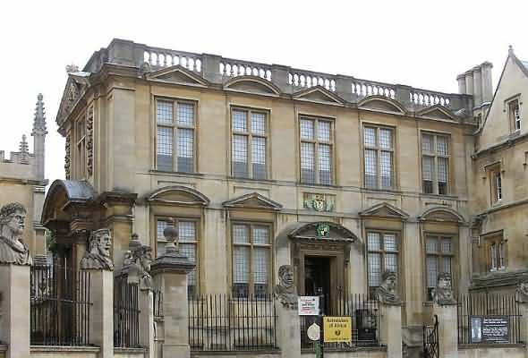The old Ashmolean museum - side view
