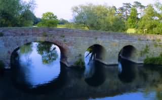 Old Monastic Bridge over River Avon at Pershore