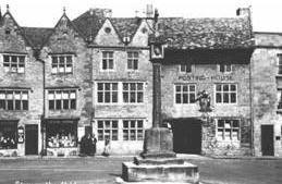 The Kings Arms and Market Cross at Stow on the Wold