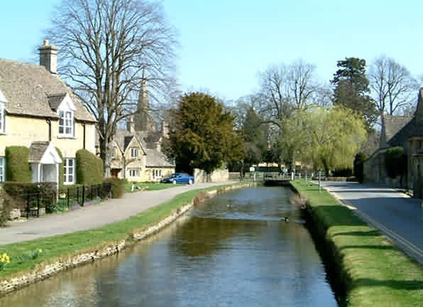 Cotswolds Romantic Road via Lower Slaughter village