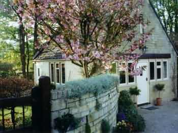 Little Barnfield Holiday Cottage at Kineton near Stow on the Wold