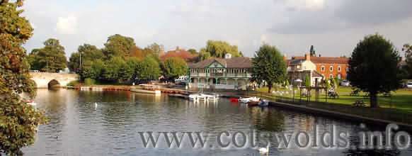 Boat Trips & Cruises on the River Avon