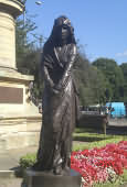 Lady Macbeth at the Gower Memorial