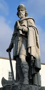 King Alfred (born in Wantage in 849AD a time when Wantage was an important Saxon centre).